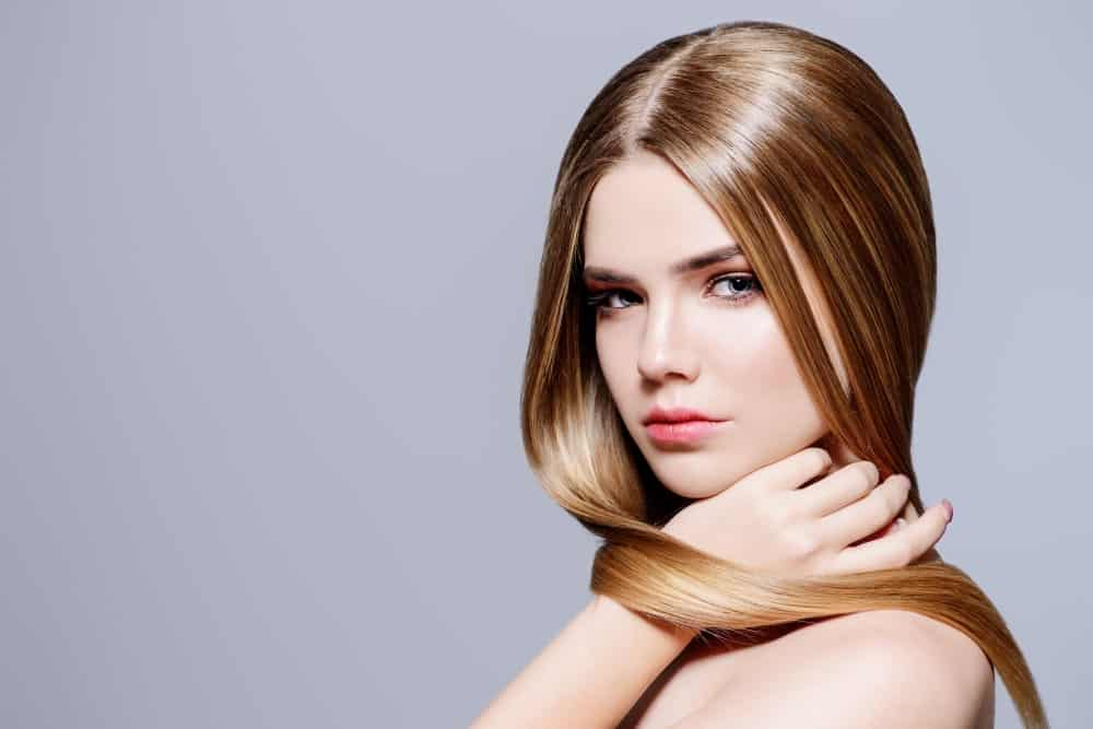 Woman with soft hair 1 25 4 1 - Tips for Using Moisture Balancing Shampoo