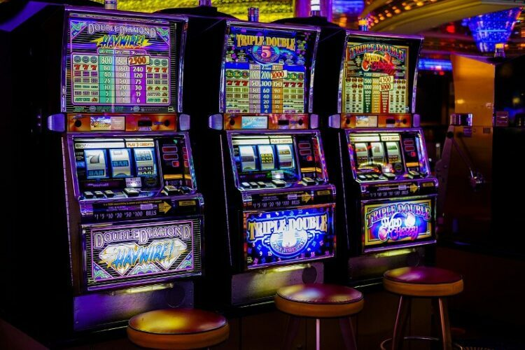 Extensive Variety 750x500 1 - 5 Advantages of Playing Slot Games Online